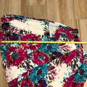 Old Navy Floral full Long Skirt Med lined Pockets